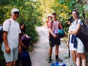 Alexandra beim Wandern mit der Familie