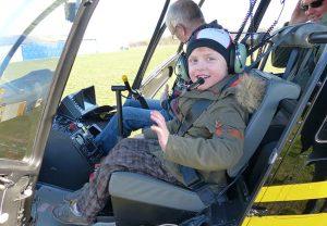 Henry beim Hubschrauberflug