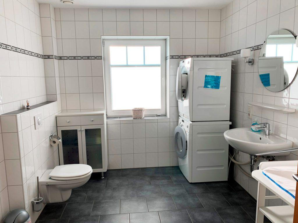 Oberschoss-Bad-mit-Dusche